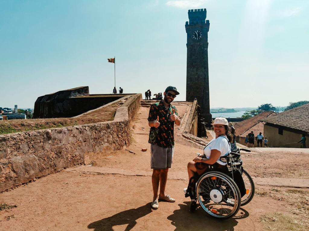 Galle mit Rollstuhl