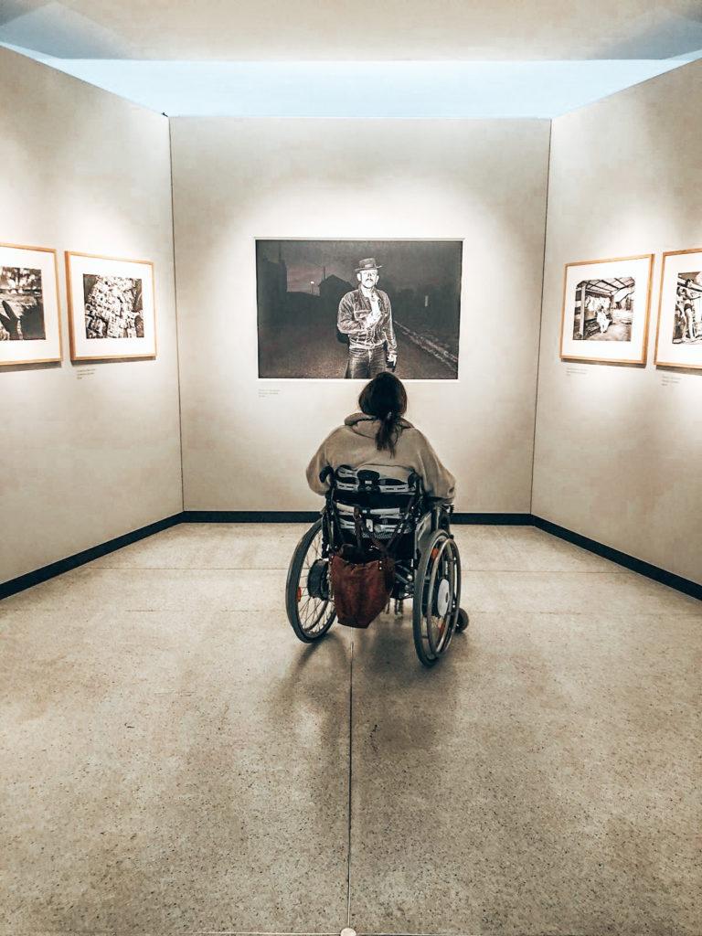 Prag mit Rollstuhl